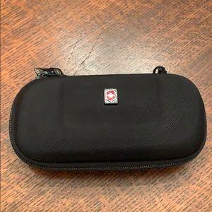 Victorinox Swiss Army Black Zip Glasses Case EUC!